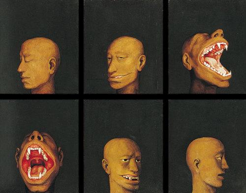 Le facce degli uomini di Xue Jiye sono tutte uguali, tutte annebbiate dalla loro nuvola di taylorismo scellerato.