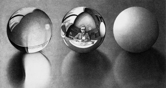 Escher ci accompagna e poi abbandona nel bianco e nero, sperduti nella opaca prigionia della nostra mente, del nostro riflesso e delle nostre illusioni diplopiche