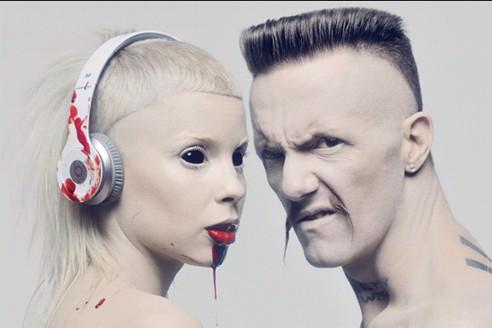 Die Antwoord, sinistra e pallida che fa del disagio e del bizzarro una virtù quotidiana