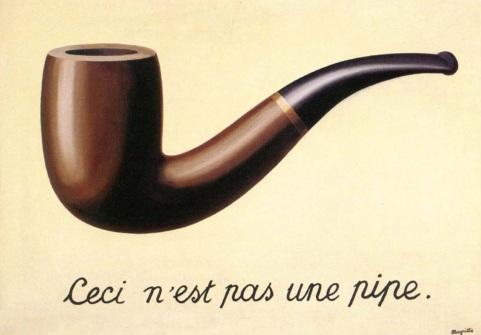 Magritte infatti veicola figure e immagini apparentemente semplici attraverso quella che può essere intesa come la madre della contemporanea arte concettuale