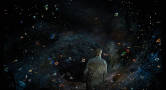 49come un foglietto accartocciato abbandonato in un cassetto, su cui sta scritto il senso dell'universo.